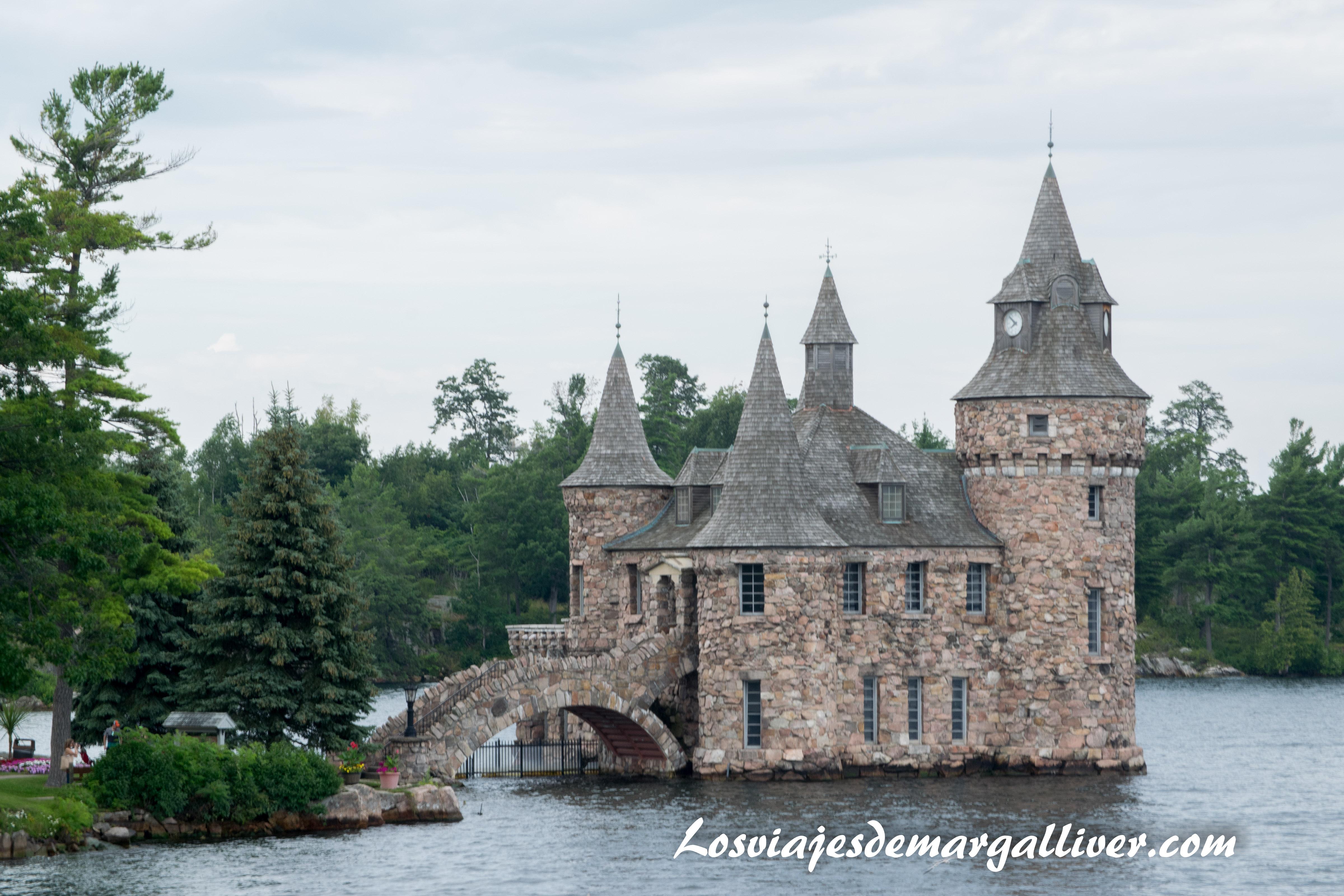 Castillo situada en una de las islas de la zona de las 1000 islas de Ottawa en la ruta por la costa este de Canadá- Los viajes de Margalliver